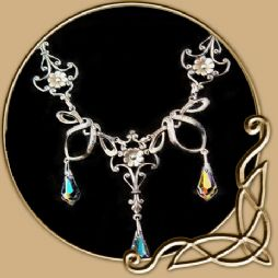 Fantasy Necklace - Hanging Teardrops